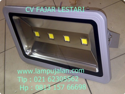 Lampu   LED 200 Watt